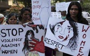 Manifestación en India contra la violencia contra la mujer